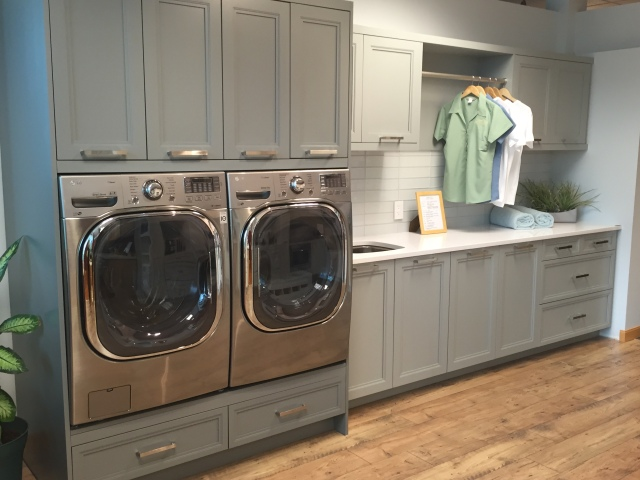 Gray cabinets - gorgeous!  And they can color match their cabinets to any color you choose!  Awesome!!  I just might end up doing a gray for the boys' bathroom...we'll see!